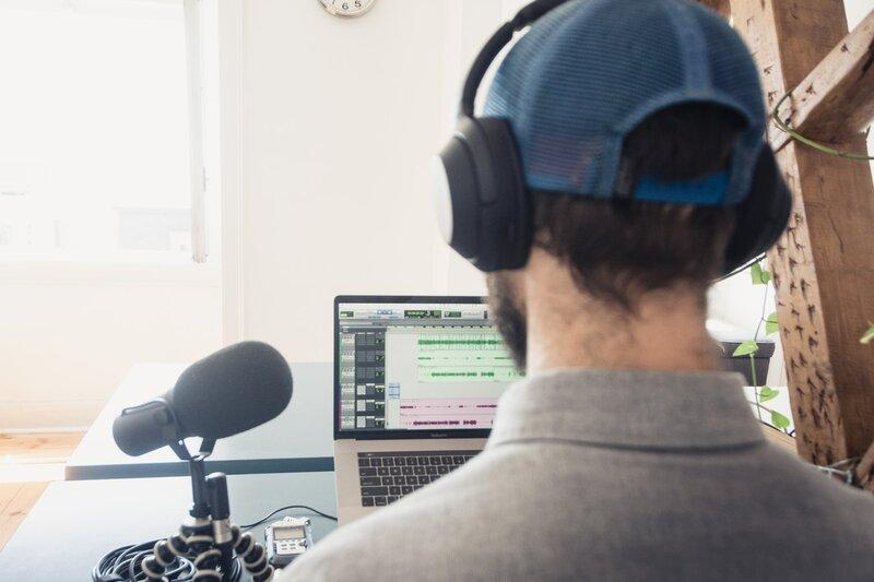 How To Record Voice On Laptop With External Microphone? Extrenal Microphone For Laptop Makes The Best Studio.